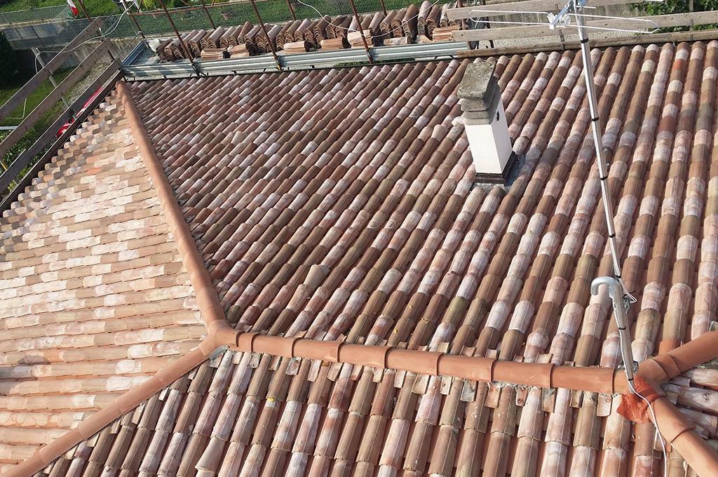 Manutenzione tetti a conegliano e treviso ediltetti for Lucernari fissi per tetti prezzi